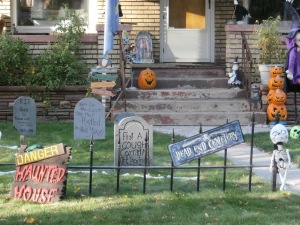 An old brick home decorate for Halloween