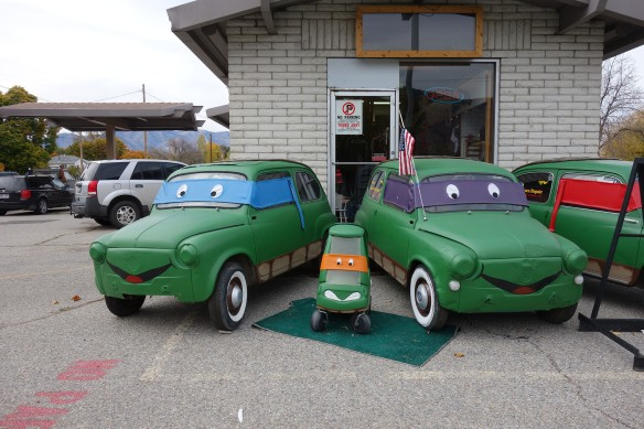 Car statues dressed as Teenage Mutant Ninja Turtles
